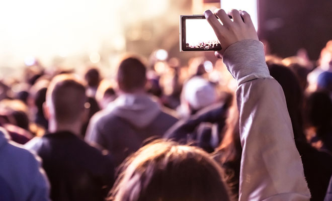 6 Superb Ways To Take Photos At Live Music Concerts