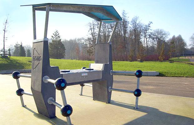 Incredible Outdoor Solar Powered DJ Table - Solar picnic table