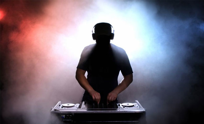 DJ Tips: Joining A DJ Agency