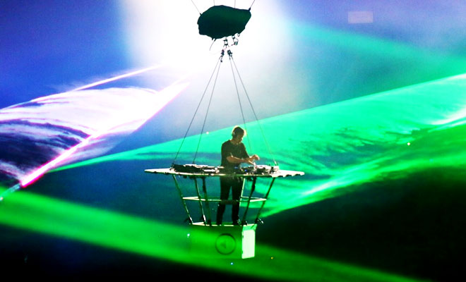 Why DJ Ferry Corsten Is Floating In The Air?
