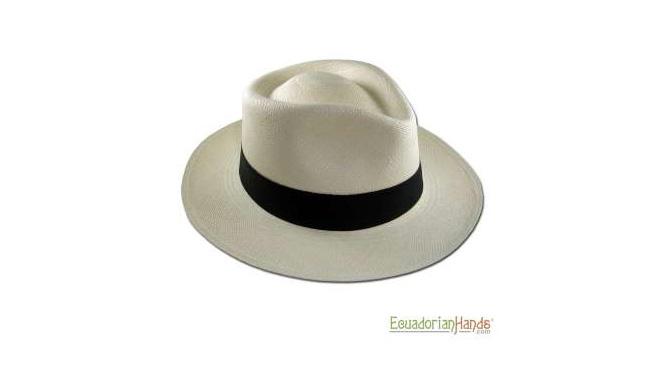 panama hat ecuadorian hands