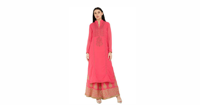 A long, straight kurti