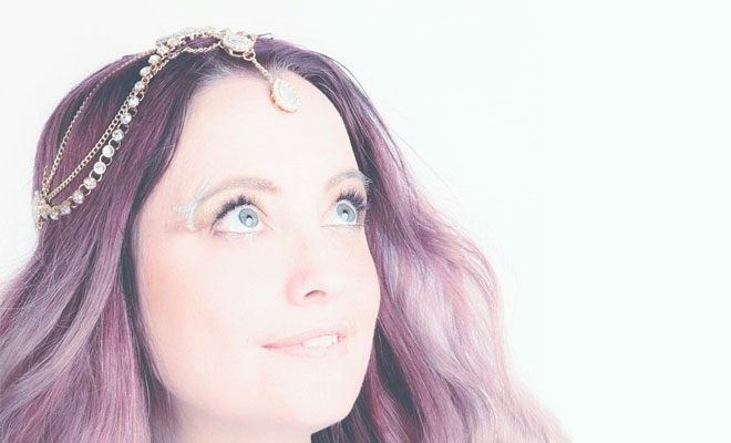 "A Relaxing Listening Experience With Sarah J'Vine's New Song, ""Walking On Stars"""