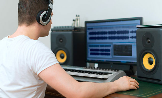 How To Build The Best Home Recording Studio?